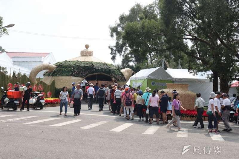南投世界茶業博覽會,吸引許多民眾參與。(圖/記者王秀禾攝)