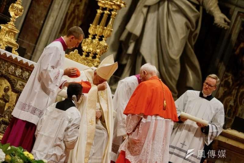 教宗落淚(曾廣儀攝)