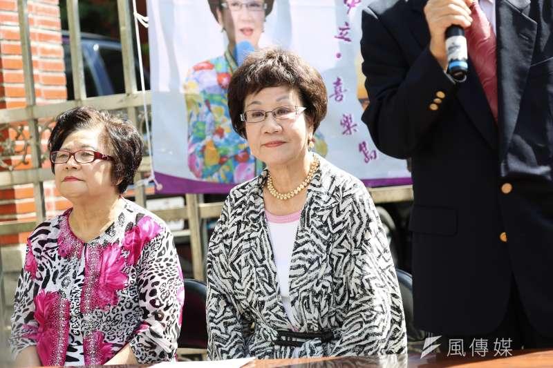 兩岸政策協會22日公布2020總統大選民調結果,其中若前副總統呂秀蓮(右)參選,與總統蔡英文、國民黨總統候選人韓國瑜人支持度分別為49.9%、32.9%、6.6%。(資料照,簡必丞攝)