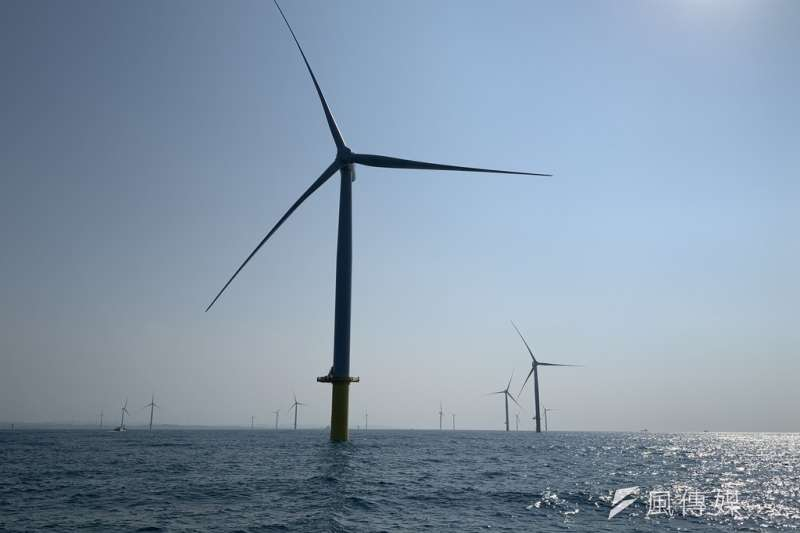 因應離岸風場將從今年起將大量建設,經濟部標檢局長連錦漳15日表示,今年將公布第2階段針對風場零組件製造、運輸的驗證管理制度,最快後年起適用。(資料照,尹俞歡攝)
