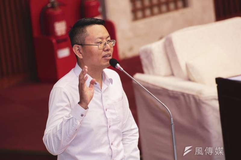 20191017-台北市議員徐立信17日至市議會進行質詢。(簡必丞攝)