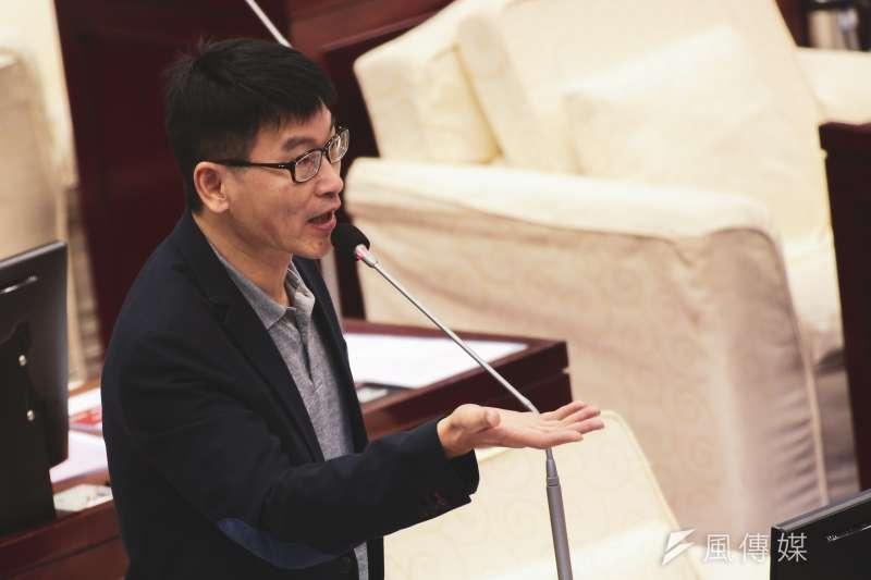 20191017-台北市議員梁文傑17日至市議會進行質詢。(簡必丞攝)