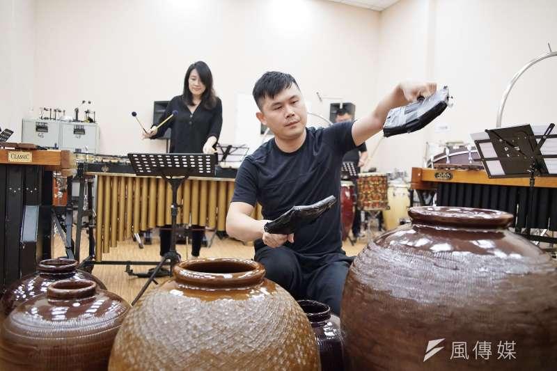 20191015-擊樂劇場《泥巴》於15日接受風傳媒專訪,圖為朱宗慶打擊樂團排練一景。(盧逸峰攝)