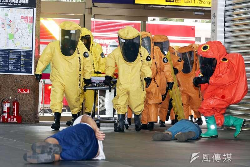 台北車站特定區聯合防災中心23日舉行災防演練。(蘇仲泓攝)