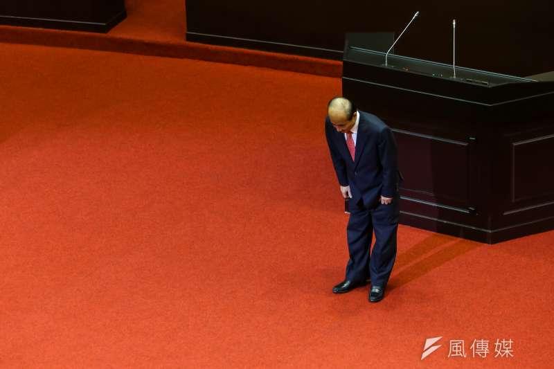20191025-國民黨立委王金平25日於立院總質詢發言後鞠躬致謝。(顏麟宇攝)