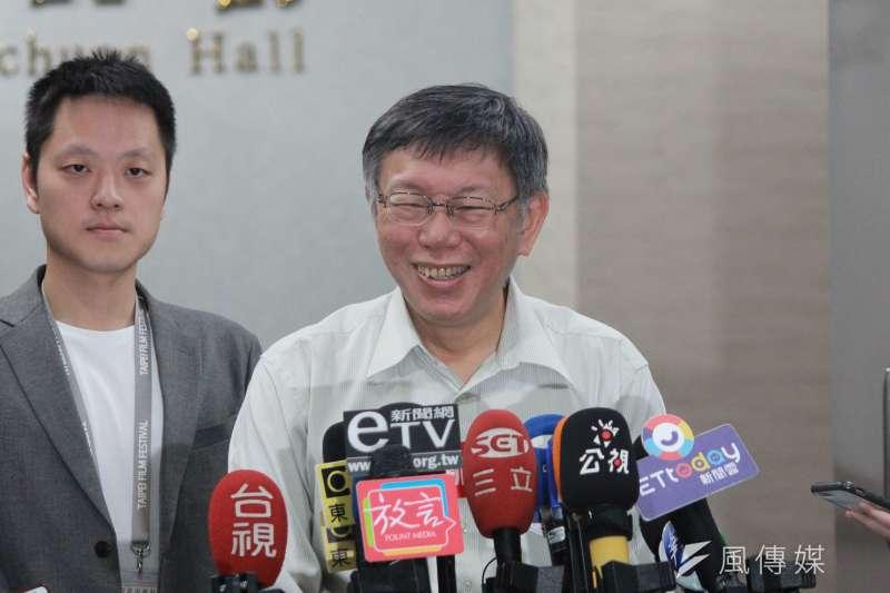 台北市長柯文哲30日面對記者提問。(資料照片,方炳超攝)