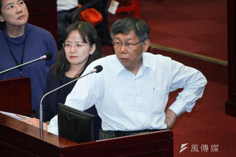 民進黨副秘書長林飛帆曾表示「自己不相信『藍色』、『淡藍色』,也不相信『白裡透紅』」。對此,台北市長柯文哲(見圖)今(3)日回應,林飛帆的發言就是典型的扣帽子,直言林「就是在販賣芒果乾」。(資料照,蔡親傑攝)