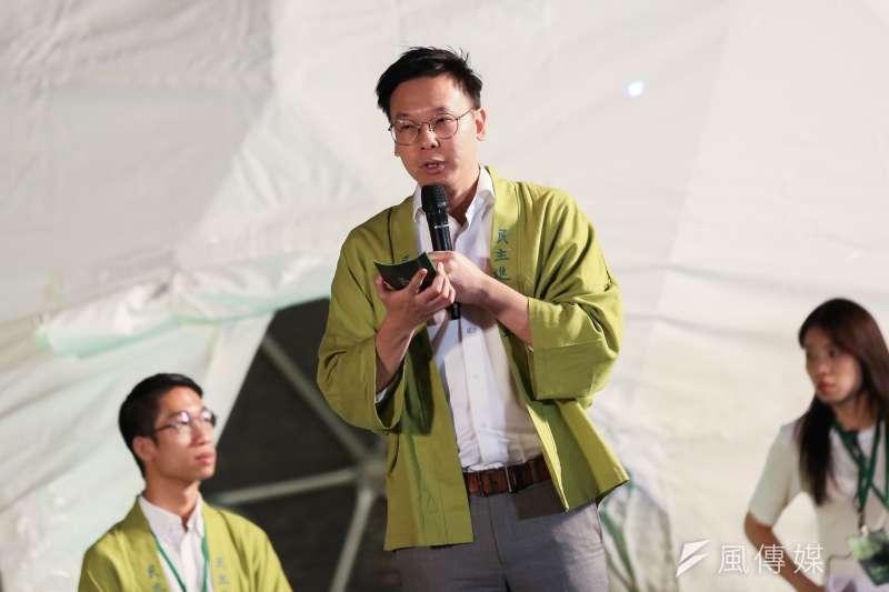 20191101-民進黨副秘書長林飛帆1日出席民進黨青年總競開幕『給台灣的一封信,為台灣加油-與總統談心之夜』。(簡必丞攝)