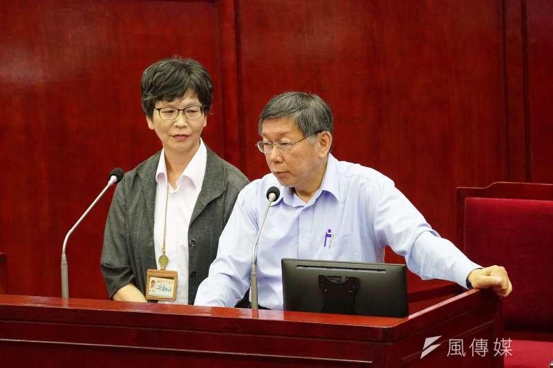 20191104-台北市長柯文哲、市府顧問蔡壁如4日出席市政總質詢。(盧逸峰攝)