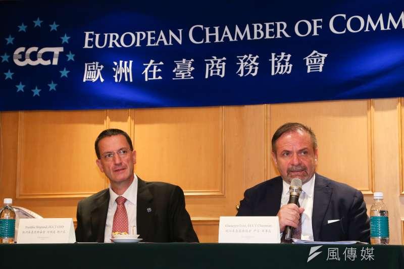 20191105-歐洲商會理事長尹容(Giuseppe Izzo,右)與執行長何飛逸(Freddie Höglund,左)5日出席歐洲商會2020年建議書發表會。(顏麟宇攝)