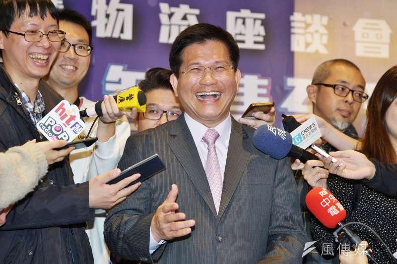 要刪自償率門檻,交通部長林佳龍成「鴕鳥哥」。(盧逸峰攝)