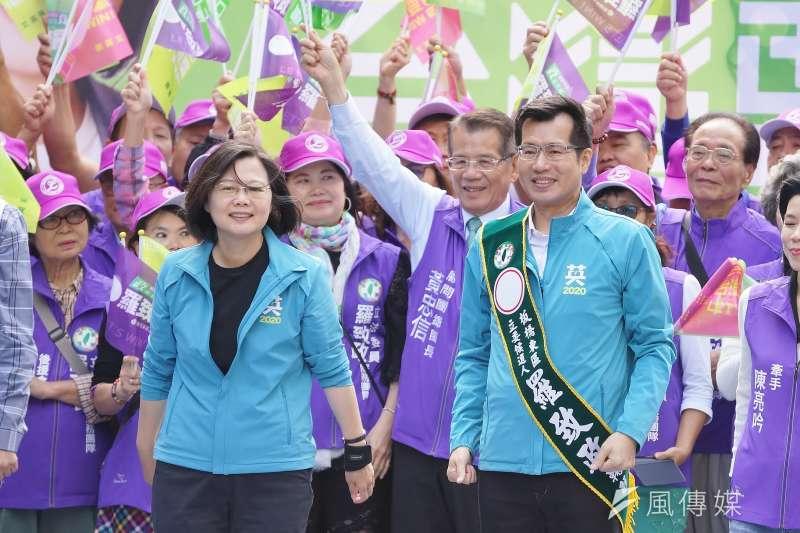 總統蔡英文9日出席立委羅致政競選總部成立大會。(盧逸峰攝)