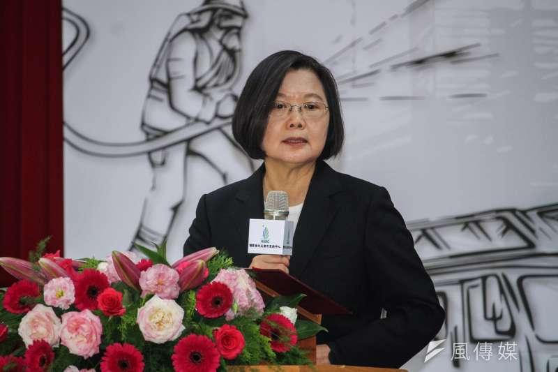 官僚體系、教育文化等政策的改革,是奠定台灣百年發展基礎,持續往前邁進的最重要動力,比社福等重要很多。呼籲總統蔡英文如連任,要讓台灣更富強、現代化,需要有這方面能力的不分區立委協助。(蔡親傑攝)
