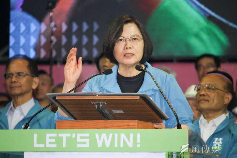 前立委沈富雄預測,明年大選總統蔡英文(見圖)將會贏總統參選人韓國瑜160萬票,民進黨的立法院席次也會達到60席。(資料照,蔡親傑攝)
