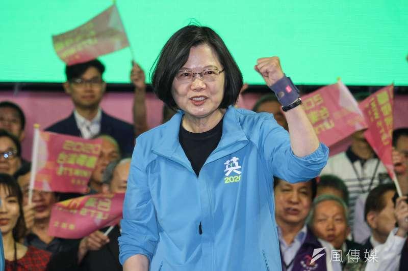 根據實義分析,台北市的搖擺指數在全台的22個縣市中高居第1,總統蔡英文(見圖)力拚連任,北市選情相當關鍵。北市競選總部總幹事陳正德指出,現階段目標就是要超過上屆得票率,往52+1%邁進。(資料照,蔡親傑攝)
