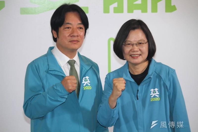各黨總統候選人於9日完成號次抽籤,未料國民黨台南市黨部遭發現涉嫌竄改圖文,將民進黨「英德配」的號次改成2號,引發原作者不滿。(蔡親傑攝)