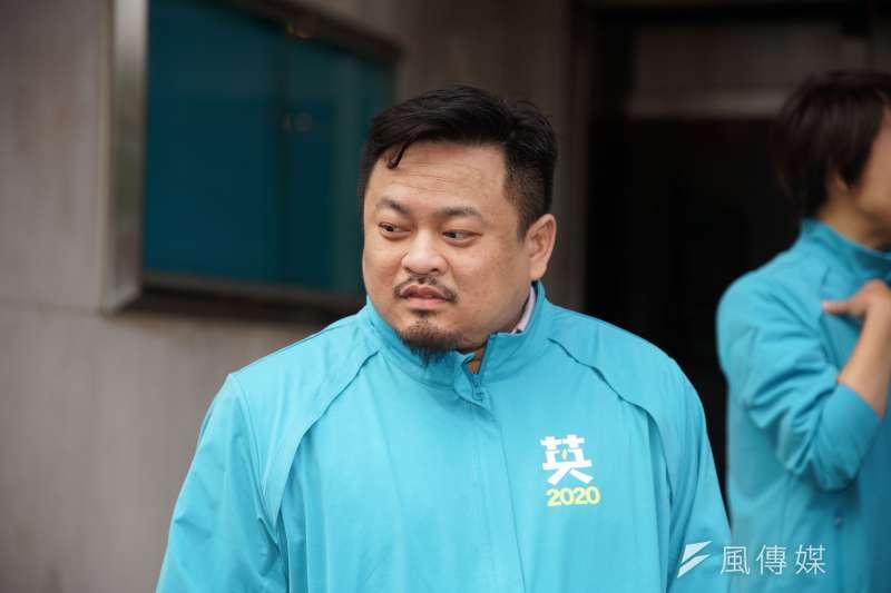 20191120-民進黨20日舉行「台灣要贏、團結前行」不分區立委登記參選記者會,立委候選人洪申翰出席。(盧逸峰攝)