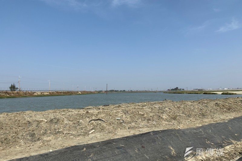 20191120-韋能能源得標的80公頃光電案場,最終開發為裝置容量70MW的艾貴義竹光電廠,是全台目前最大的民營地面型光電廠。圖為韋能艾貴義竹電廠內的生態保留區。(尹俞歡攝)