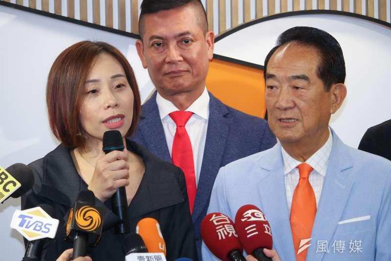 針對被指控「喬病床」一事,親民黨不分區立委排名第1的滕西華(左)2日發文澄清,謠言源於記者未聽完她的談話內容。(資料照,蔡親傑攝)