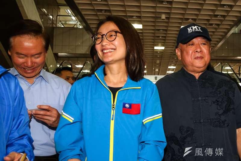 在藍營立委提名人當中,前立委吳光訓之女吳怡玎(中)財力最是金光閃閃。(資料照,顏麟宇攝)