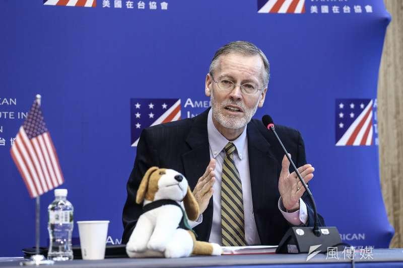 20191122-美國在台協會處長酈英傑年度媒體見面會,發表短講並開放現場媒體進行問答,並以機場防疫犬為例比喻台美的良好關係。(陳品佑攝)