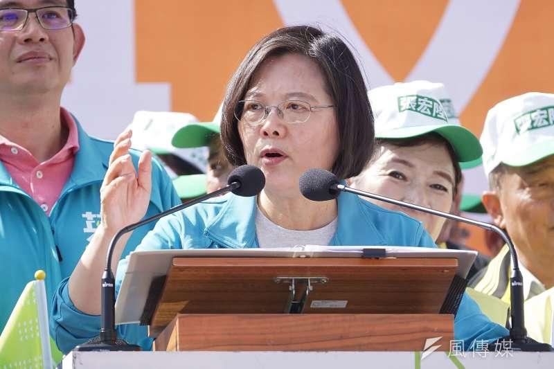 台灣民意基金會25日公布最新民調,總統蔡英文(見圖)施政獲5成6的民眾贊同,僅3成6的人不贊同,贊同的人比不贊同的人多近20個百分點。(資料照,盧逸峰攝)