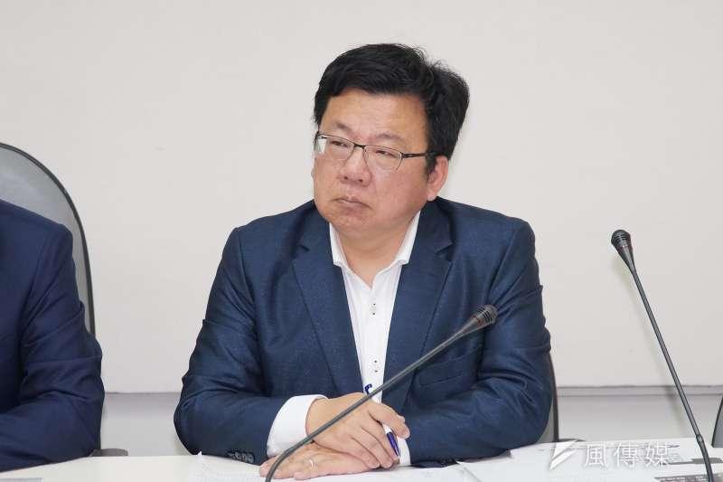 20191125-立委李俊俋25日召開反滲透法記者會。(盧逸峰攝)