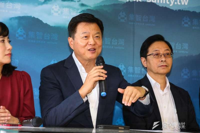 20191126-國政選戰中心執行長周錫瑋(中)26日出席副總統競選辦公室成立記者會。(顏麟宇攝)