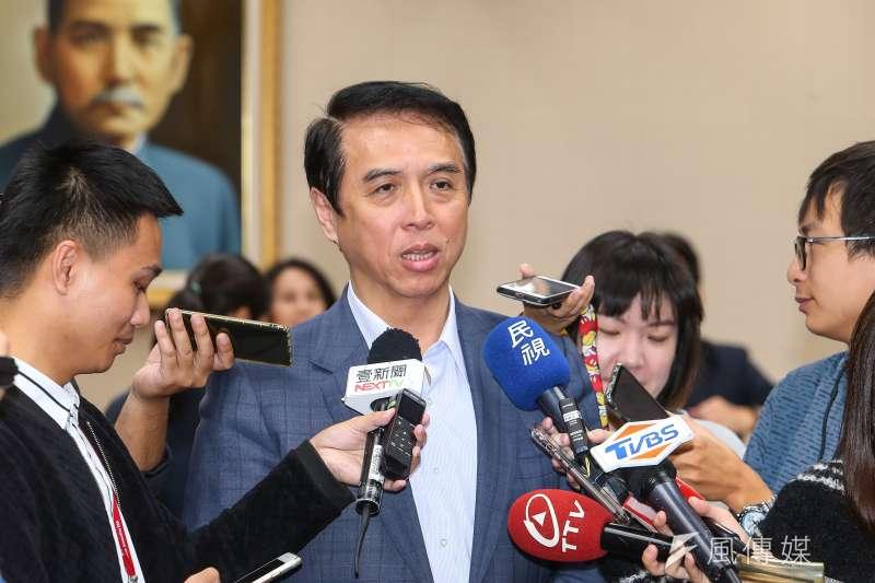國民黨立委陳學聖(見圖)認為,中央流行疫情指揮中心指揮官陳時中在疫情過後最少會「高升」到行政院副院長,更可能在2022年出來選市長。(資料照,顏麟宇攝)