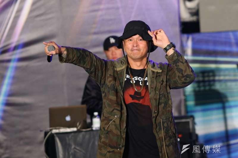 20191129-歌手大支29日出席台灣搖滾派對,為台北市八位立委參選人站台。(顏麟宇攝)
