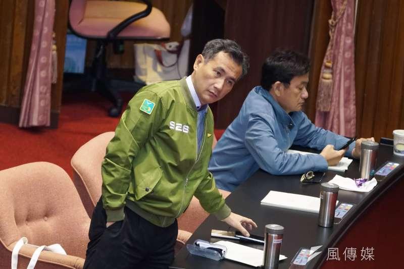 20191129-立委鄭運鵬29日出席院會。(盧逸峰攝)