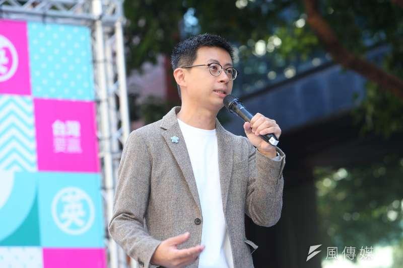 台北市議員邱威傑表示,自己若要繼續往上參選立法委員,唯一會讓他覺得有意義的理由,「要證明現在這種網路操作方式是不對的。」(資料照,顏麟宇攝)