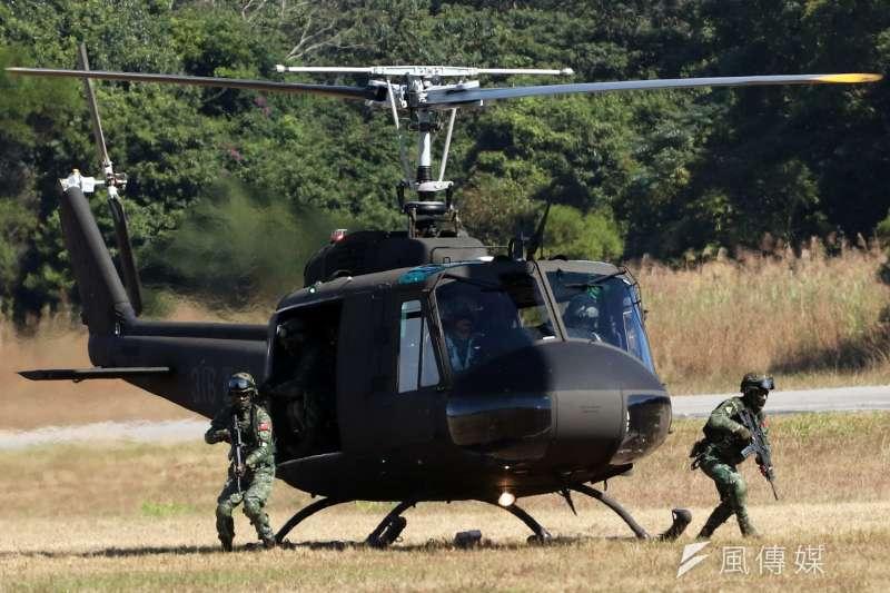 20191206-在台服役超過半世紀的UH-1H今年10月底正式從台灣的天空除役,軍方在台中為其舉行隆重儀式,讓國人有機會好好向它說再見。(蘇仲泓攝)