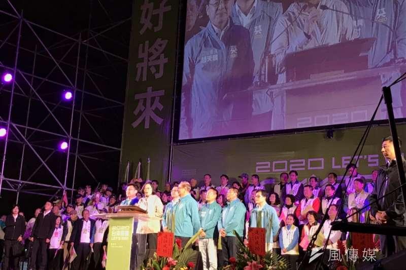 民進黨立委趙天麟與總統蔡英文7日於高雄成立聯合競選總部。(黃信維攝)