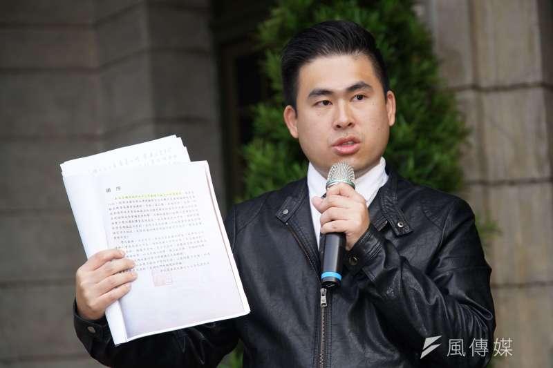 新黨發言人王炳忠27日痛批年代主播張雅琴、安幼琪抨擊血友病童一事,是標準的「欺善怕惡」。(資料照,盧逸峰攝)