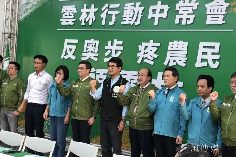 民進黨行動中常會前進雲林,安排農委會主委陳吉仲報告。(顏振凱攝)