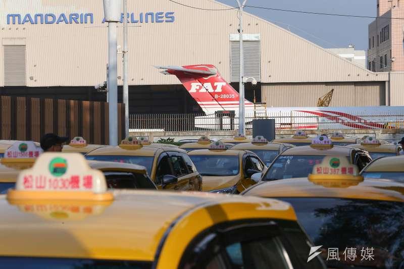 遠東航空董事長張綱維13日出面表示,希望能夠繼續營運。對此,交通部民航局13日表示,尚未收到遠航正式撤回停業申請。(顏麟宇攝)