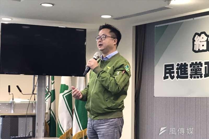 20191212-民進黨12日舉辦護國會保台灣《給台灣一封信》發布記者會。民進黨秘書長羅文嘉。(黃信維攝)