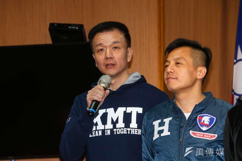 前陸軍少將于北辰(左)利用直播嘲諷國民黨高層,筆者認為國民黨不祭出黨紀處分就是「雙標」。(資料照,顏麟宇攝)