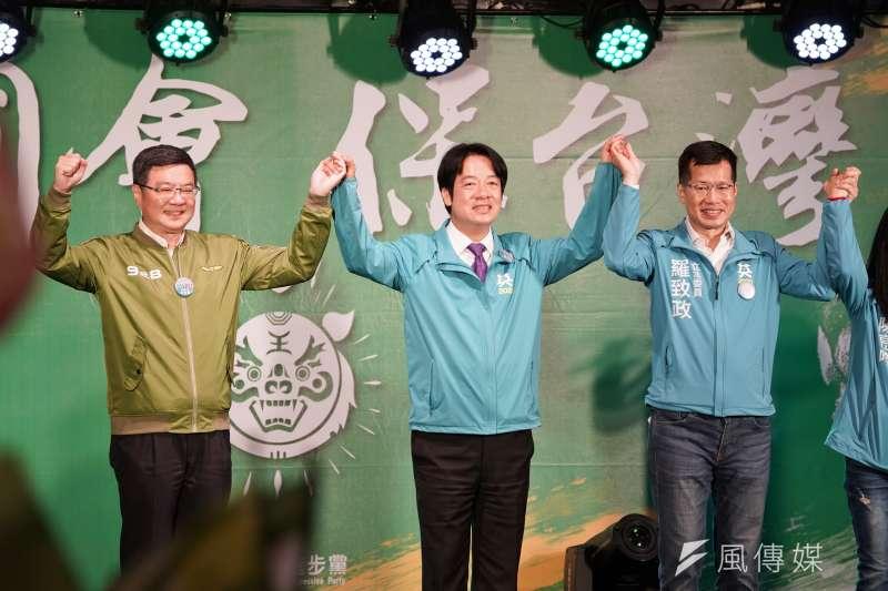 20191215-立委羅致政15日舉行護國保台灣造勢晚會,民進黨主席卓榮泰、副總統參選人賴清德出席。(盧逸峰攝)