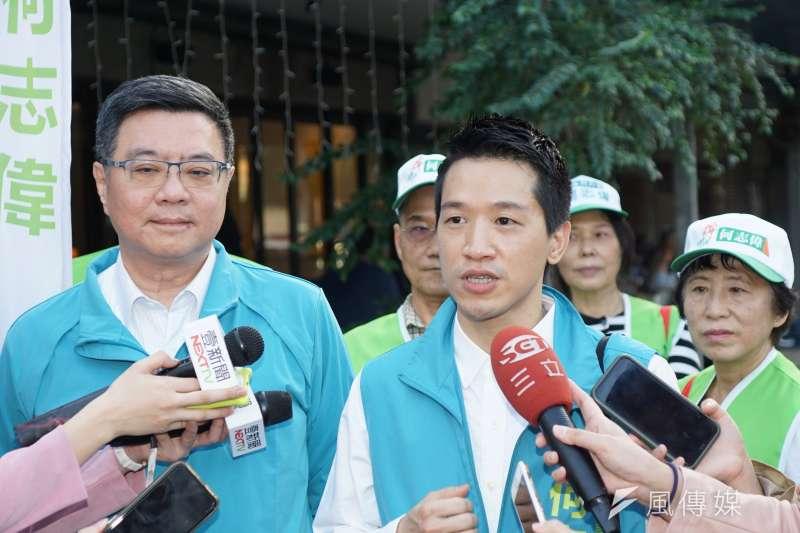 20191216-民進黨主席卓榮泰16日陪同立委何志偉於士林名山里拜票。(盧逸峰攝)