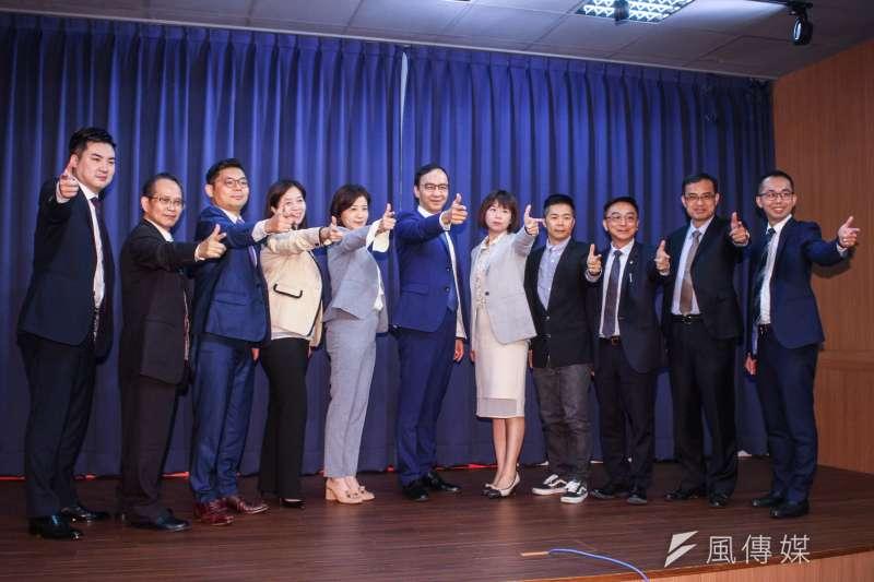 國民黨總統競選主委朱立倫16日召開「跨域領航戰隊」成立記者會。(蔡親傑攝)