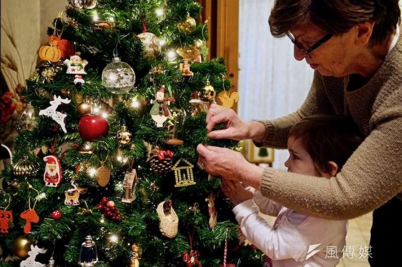 羅馬裝飾聖誕樹的一天(曾廣儀攝)
