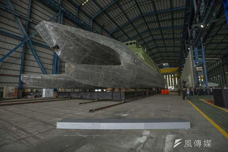 海巡署新造600噸級巡防艦12月初亮相,明年1月將塗裝下水,未來預計配屬在南部地區海巡單位,執行相關護漁、維權等任務。(總統府提供)