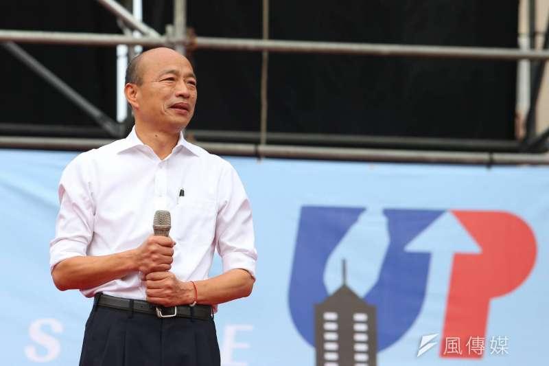 國民黨總統候選人韓國瑜(見圖)22日出席寶寶爬行比賽,因抱起的女嬰大哭一事掀起風波。(資料照,顏麟宇攝)