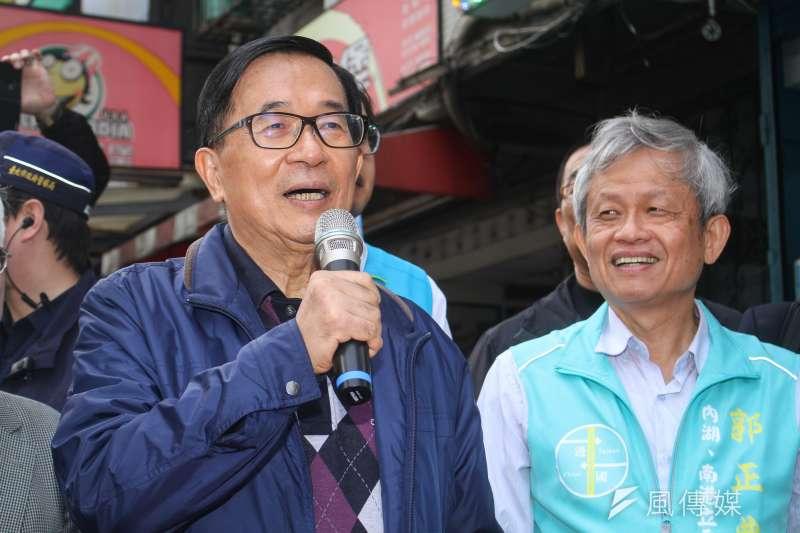 保外就醫的前總統陳水扁不但趴趴走,更為「一邊一國」站台輔選拉票。(蔡親傑攝)