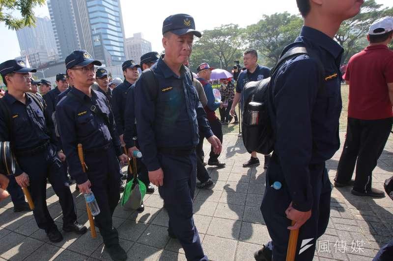 20191221-高雄挺韓遊行警政署出動大量警力戒備。(顏麟宇攝)