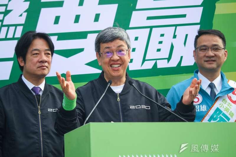 副總統陳建仁(見圖)形象親民,2020大選為顧全民進黨的團結,無私轉身,宣布放棄連任。(資料照,蔡親傑攝)