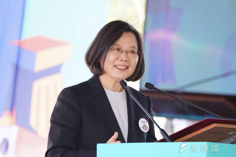 總統蔡英文(見圖)公開表示要在年底通過《反滲透法》。對此,台灣世界保生大帝廟宇聯合總會總會長王文宗表示,該法案恐將對兩岸宗教交流帶來影響。 (資料照,盧逸峰攝)