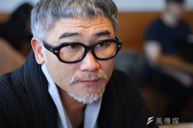 20191230-作家高翊峰30日接受專訪。(蔡親傑攝)